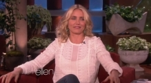Cameron Diaz Gets Scared by 'The Mask'!
